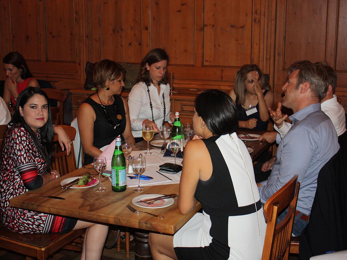 mbs-dine-discuss-leadership-3