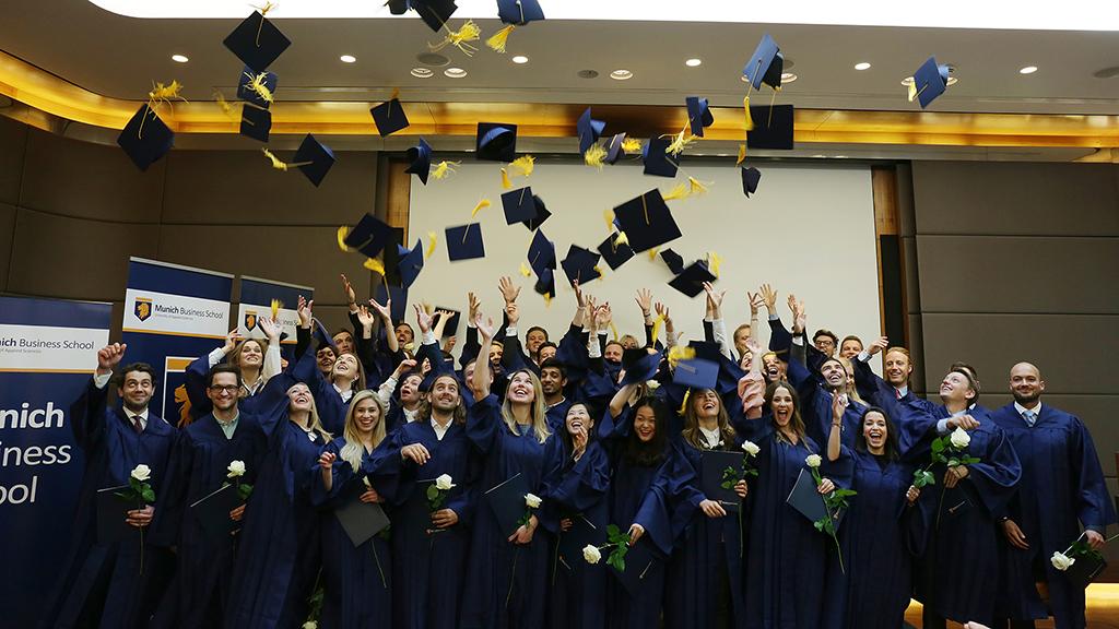 MBS-graduation17-2