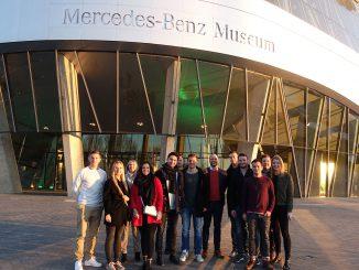 SBS Studenten im Mercedes Benz Museum Stuttgart