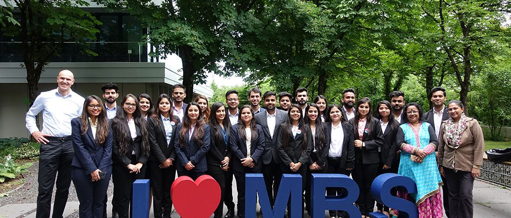 Students of Delhi School of Business