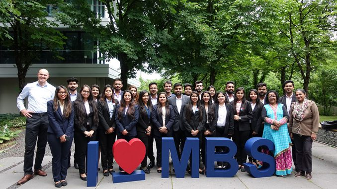 Students of Delhi School of Business