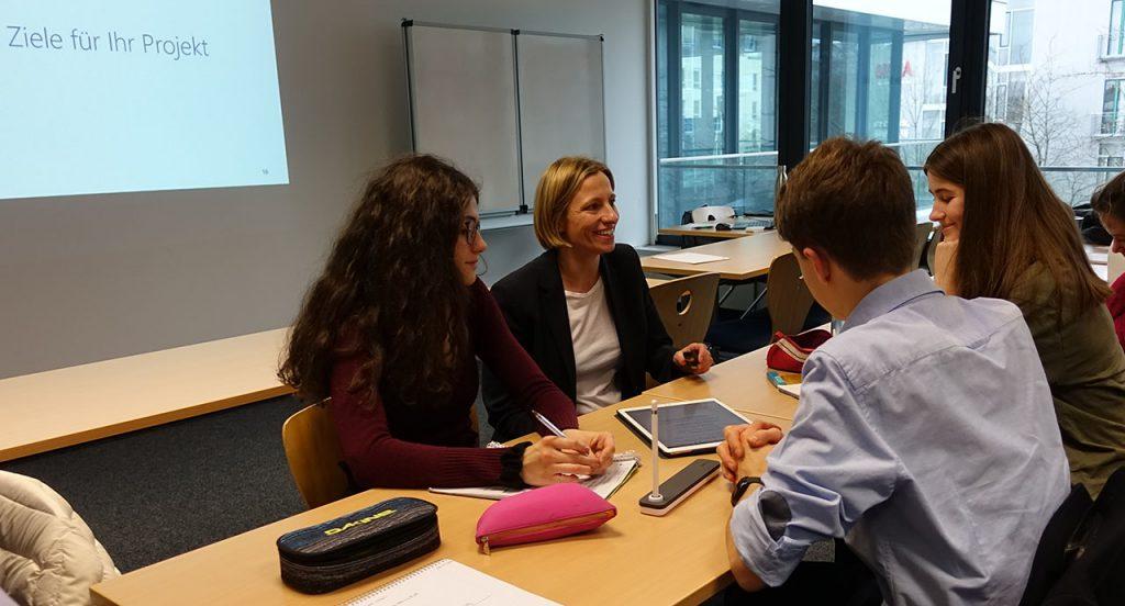 Die Schülerinnen und Schüler wenden die Kenntnisse im Projektmanagement an
