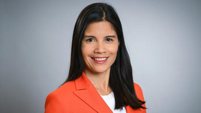 Christine Menges Portrait
